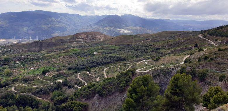 Reisebericht Andalusien:  Serpentinenstraße im Gebirge
