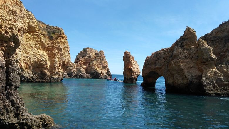 Plavba člnom po pobreží Portugalska
